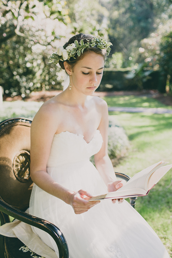 Pride and Prejudice Wedding Inspiration Photo Shoot | Junebug Weddings