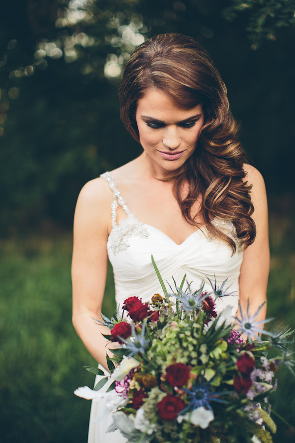 romantic old hollywood inspired bridal style, photo by Geoff Johnson | via junebugweddings.com