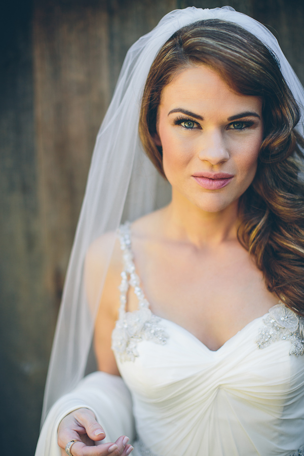 Romantic Old Hollywood Inspired Bridal Style | Junebug Weddings