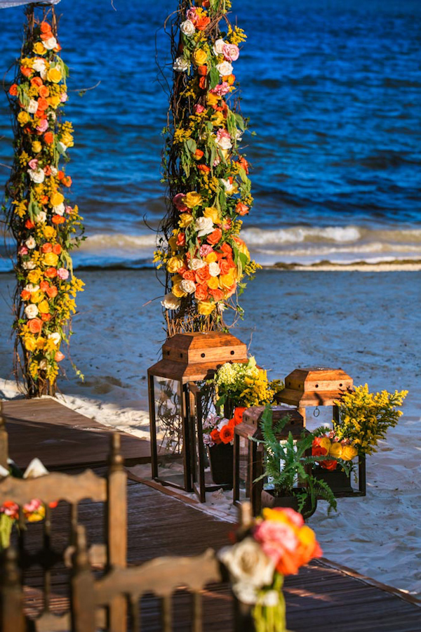 beachfront destination wedding decor, photo by Zasil Studio | via junebugweddings.com