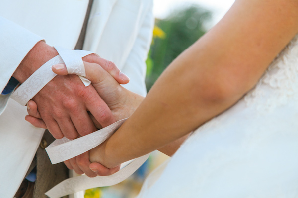 handfasting ceremony, photo by Zasil Studio | via junebugweddings.com
