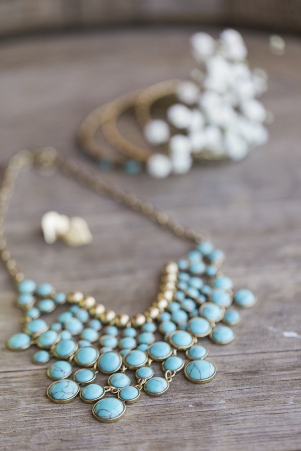 turquoise bridal accessory, photo by Rachel Solomon | via junebugweddings.com