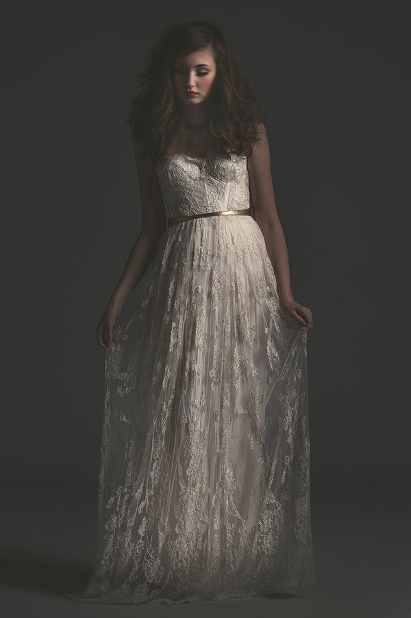 how to dress for your figure - bridal designer Sarah Seven shares her top tips | via junebugweddings.com