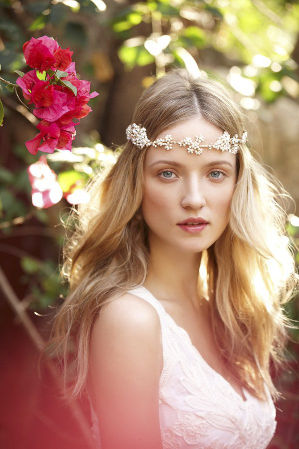 how to get the perfect bohemian bride look with BHLDN | via junebugweddings.com