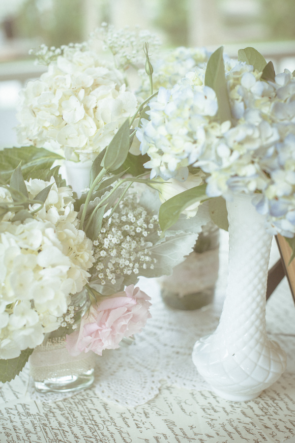 wedding flowers, photo by Still55 Photography | via junebugweddings.com
