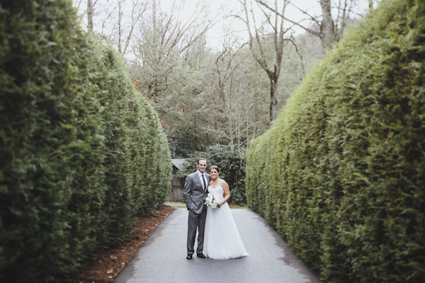 rustic wedding at The Old Edwards Inn, photo by Jonathan Connolly Photography | via junebugweddings.com (39)