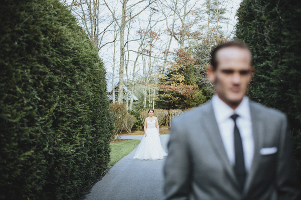 rustic wedding at The Old Edwards Inn, photo by Jonathan Connolly Photography | via junebugweddings.com (25)