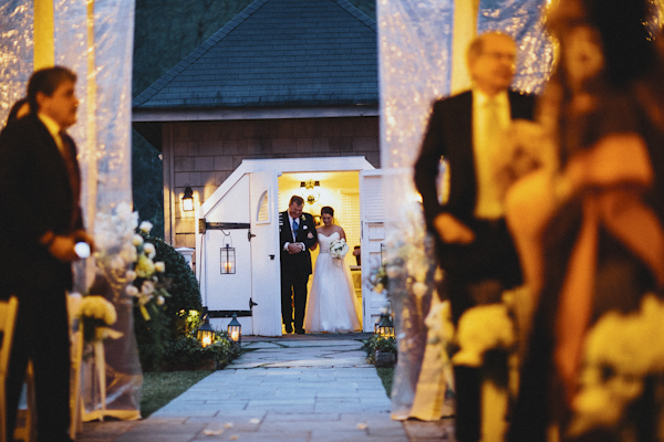 rustic wedding at The Old Edwards Inn, photo by Jonathan Connolly Photography | via junebugweddings.com (15)