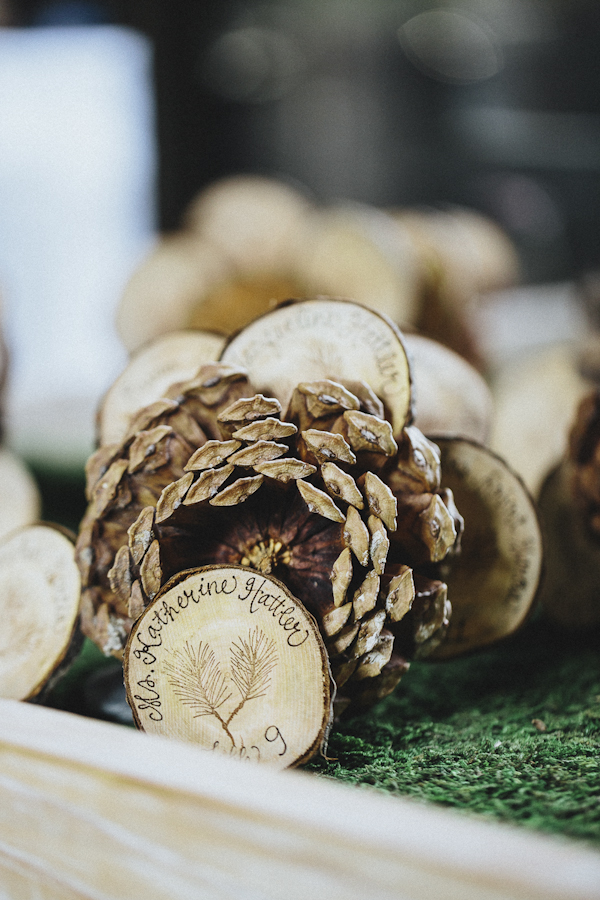 rustic wedding at The Old Edwards Inn, photo by Jonathan Connolly Photography | via junebugweddings.com (10)