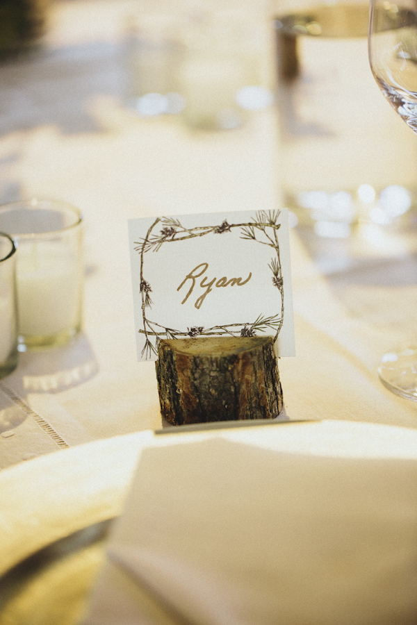 rustic wedding at The Old Edwards Inn, photo by Jonathan Connolly Photography | via junebugweddings.com (8)