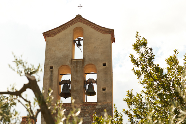 stunning-tuscan-destination-wedding-with-photography-by-jules-bower-1-2