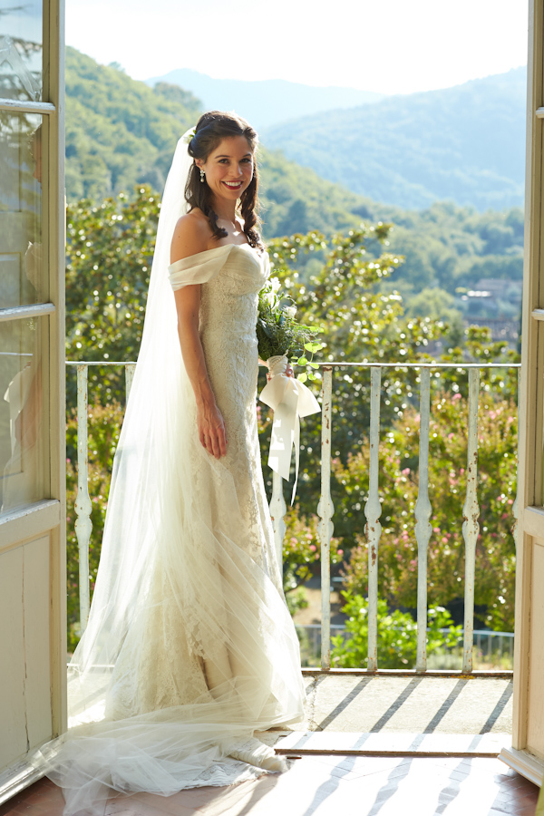 stunning-tuscan-destination-wedding-with-photography-by-jules-bower-11