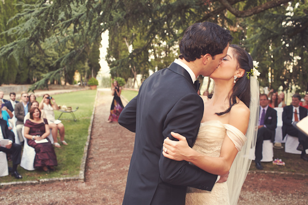 stunning-tuscan-destination-wedding-with-photography-by-jules-bower-19