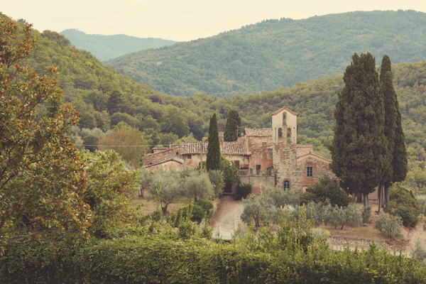 stunning-tuscan-destination-wedding-with-photography-by-jules-bower-2