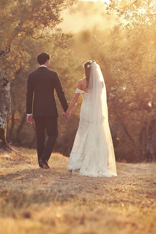 stunning-tuscan-destination-wedding-with-photography-by-jules-bower-26