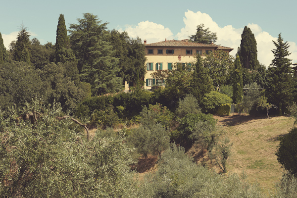 stunning-tuscan-destination-wedding-with-photography-by-jules-bower-3