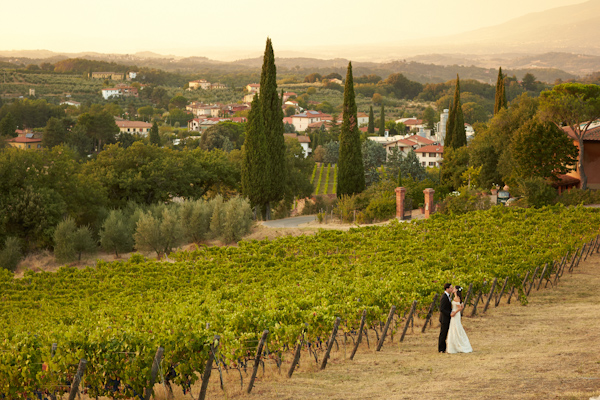 stunning-tuscan-destination-wedding-with-photography-by-jules-bower-32