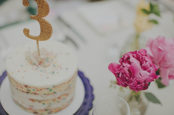adorable table number cake