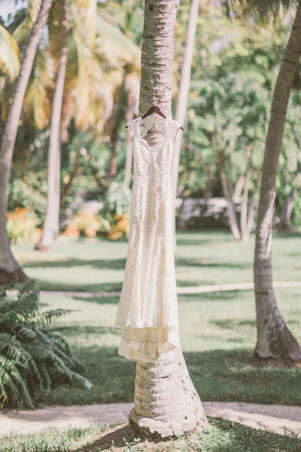 intimate beach wedding dress by Monique Lluillier, photo by Chris Glenn | via junebugweddings.com
