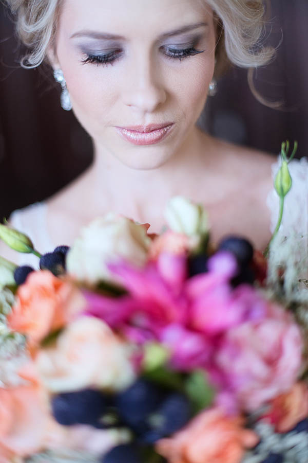 stunning bridal portrait and bouquet