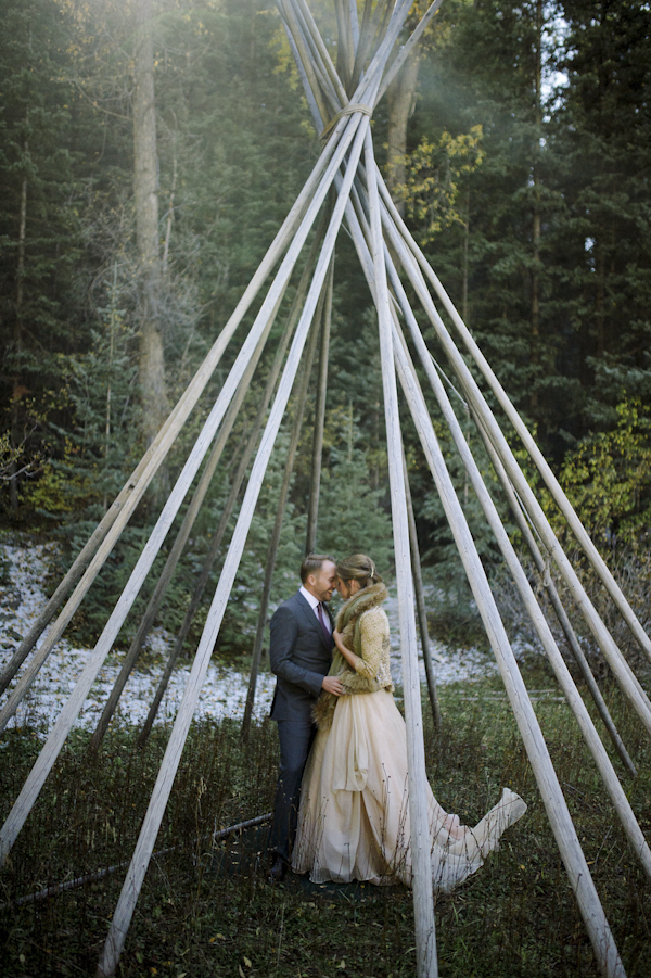 rustic mountain wedding portrait at the Dunton Hot Springs in Colorado, photo by Chowen Photography | via junebugweddings.com