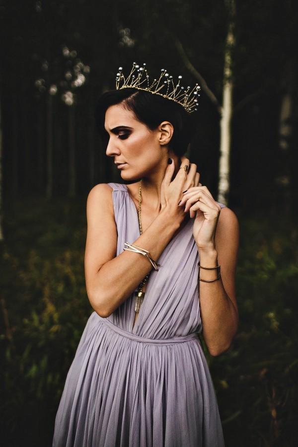 Beautifully-dark-styled-shoot-Kym-Ventola-Photography-Junebug-Weddings-17