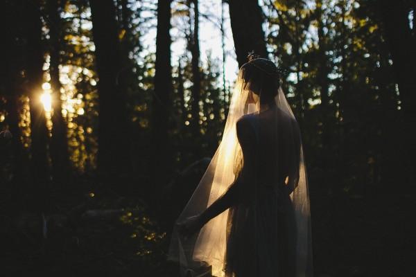 Beautifully-dark-styled-shoot-Kym-Ventola-Photography-Junebug-Weddings-2
