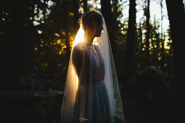 Beautifully-dark-styled-shoot-Kym-Ventola-Photography-Junebug-Weddings-3