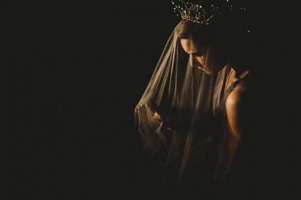 Beautifully-dark-styled-shoot-Kym-Ventola-Photography-Junebug-Weddings-5