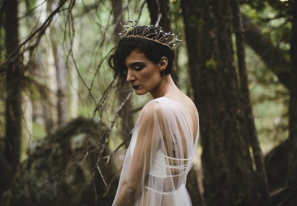 Beautifully-dark-styled-shoot-Kym-Ventola-Photography-Junebug-Weddings-6