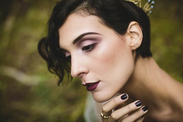 Beautifully-dark-styled-shoot-Kym-Ventola-Photography-Junebug-Weddings-9