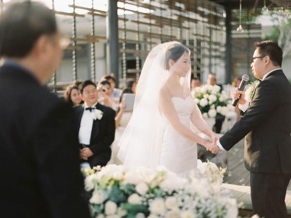 Fe-and-Frances-Angga-Permana-Photo-Junebug-Weddings-25