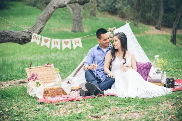 Megan-and-Travis-Engagement-Shoot-Poppy-and-Blush-Junebug-Weddings-15