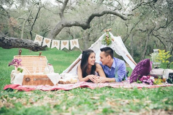 Megan-and-Travis-Engagement-Shoot-Poppy-and-Blush-Junebug-Weddings-16