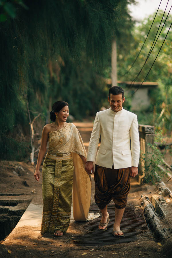 beautiful and traditional Thailand couple's portrait