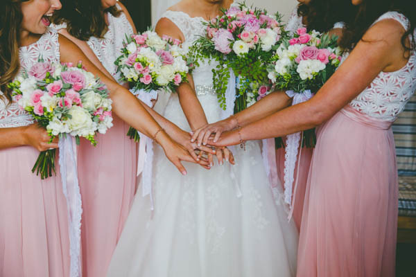 pink and ivory bridesmaids' bouquets