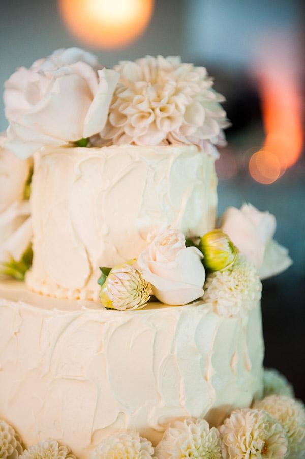 sloppy frosted wedding cake