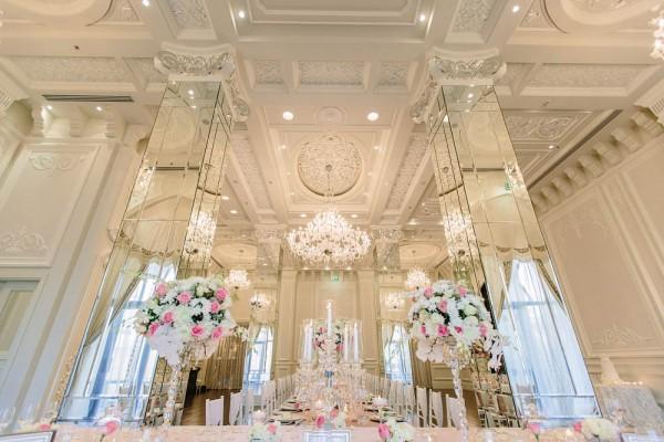 Decadent dubai wedding junebug weddings pink and crystal wedding decor junglespirit Choice Image