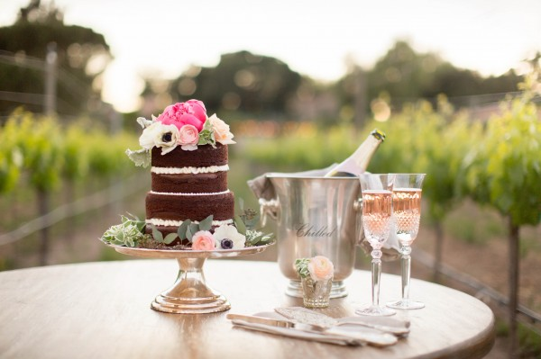 elegant vineyard table setting