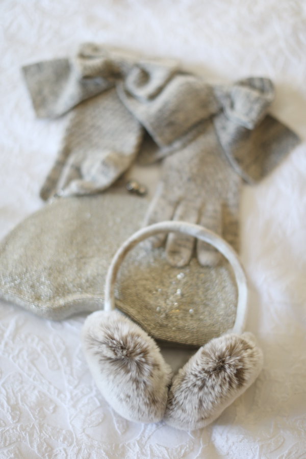 intimate-warm-cozy-winter-wedding-photo-by-alison-conklin-photography-6