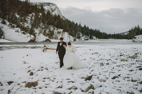 winter-wedding-at-fairmont-banff-springs-photo-by-gabe-mcclintock-17