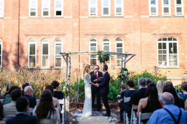 Earthy Brooklyn Wedding At Kings County Distillery 20 Of