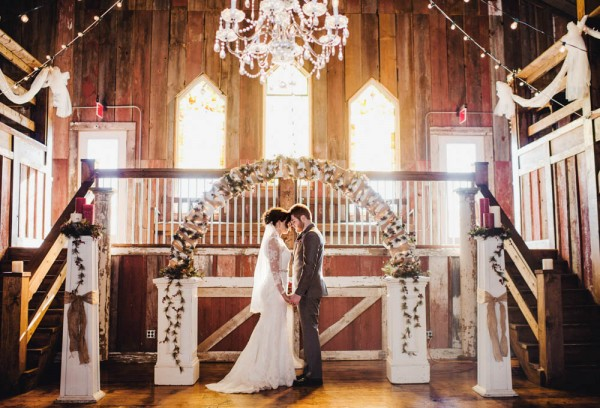 Rustic-Winter-Wedding-with-Red-Accents (10 of 28)