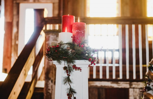 Rustic-Winter-Wedding-with-Red-Accents (12 of 28)