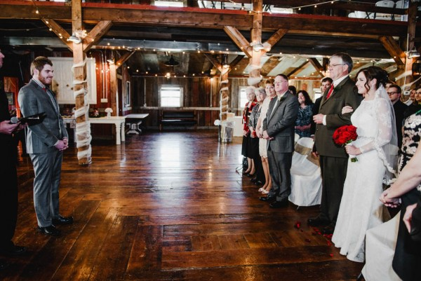 Rustic-Winter-Wedding-with-Red-Accents (18 of 28)