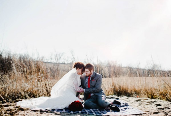 Rustic-Winter-Wedding-with-Red-Accents (6 of 28)
