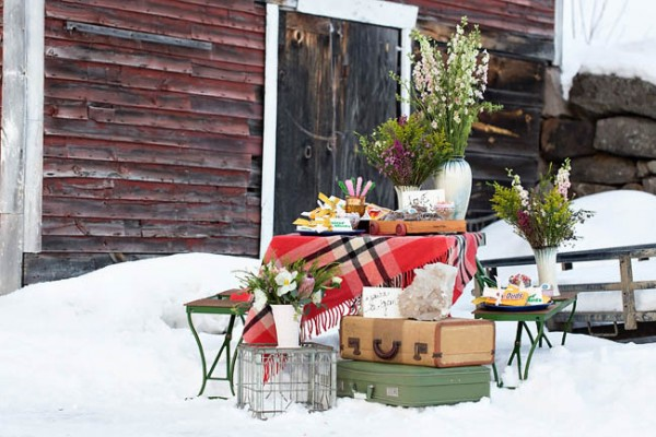 Wintry-Styled-Shoot-Watershed-Floral-21