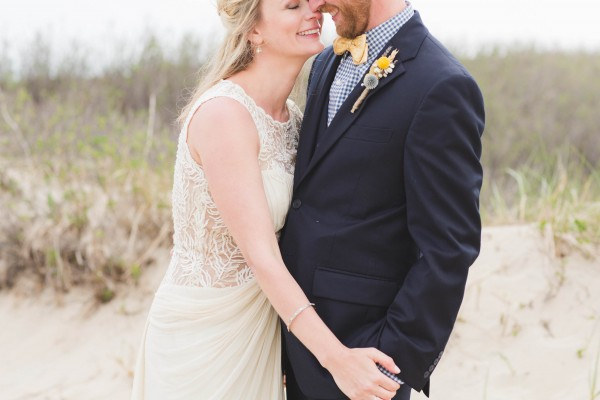 Yellow-and-Blue-Wedding-in-Nantucket (16 of 27)