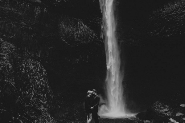 Adventurous-Oregon-Engagement-Vista-House-Catalina-Jean-Photography (10 of 28)