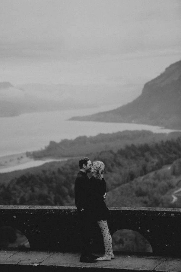 Adventurous-Oregon-Engagement-Vista-House-Catalina-Jean-Photography (17 of 28)